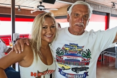 Hooters8-2019-5